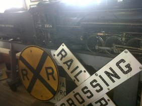 2014 train signs north museu