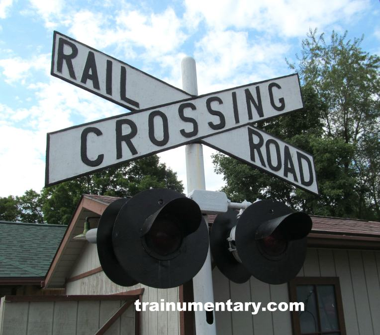 082015 railroad crossing sign with web cropped